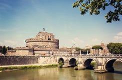 Взгляд крепости и моста Castel Santangelo в Риме, Италии Стоковые Фотографии RF