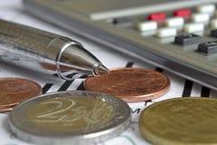 взгляд кредита конца карточки предпосылки финансовохозяйственный поднимающий вверх Стоковое Фото