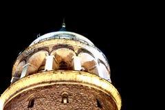 Взгляд крупного плана ночи башни Galata в Стамбуле Стоковые Фото