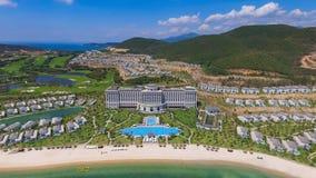 Взгляд курорта Vinpearl 5 звезд на Nha Trang трутнем Стоковые Фотографии RF