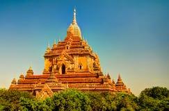 Взгляд к виску Htilominlo на рассвете bagan myanmar Стоковое Изображение
