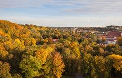 Взгляд к городку Вильнюса старому в осени Стоковая Фотография