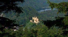 Взгляд к замку Hohenschwangau стоковое фото