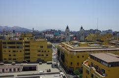 Взгляд к крышам центра города и церков собора на главном squa стоковые фото
