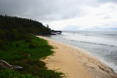 Взгляд к морю и пляжу, Gris-Gris, Маврикию стоковая фотография rf