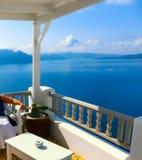 Взгляд к морю от деревни Oia острова Santorini в Греции Стоковое фото RF