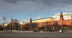 Взгляд к Москве Кремлю в хорошей погоде Стоковое Фото
