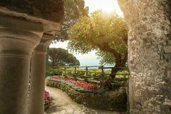 Взгляд к саду на вилле в Ravello Италия стоковое фото