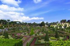 Взгляд к французскому саду в Nong Nooch Стоковое Изображение