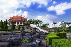 Взгляд к Wat и камням Стоковые Фото