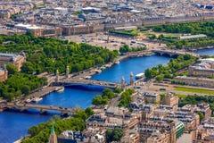 Взгляд Ла de Парижа, Pont Александра III и места Стоковое Изображение