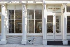 Взгляд магазина St Laurent в St Greene, Нью-Йорке Стоковое Фото