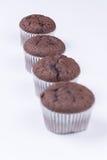 Взгляд макроса булочки шоколада над белизной Стоковые Изображения RF