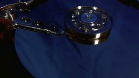 Взгляд макроса движений головы жёсткого диска сток-видео