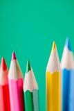 Взгляд макроса crayons покрашенные карандаши Покрашенные карандаши на светлой предпосылке Стоковая Фотография RF