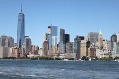 Взгляд Манхаттана от шлюпки - Нью-Йорка Стоковые Изображения RF