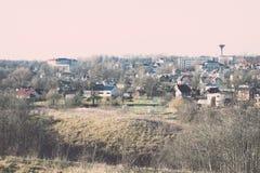 Взгляд маленького города панорамный сверху в осени Винтаж Стоковые Фото