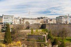 Взгляд места de Ла конституции в городе Люксембурга Стоковые Изображения RF