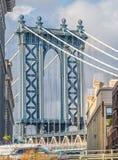 Взгляд моста Манхаттана от района Dumbo, NYC стоковые фото