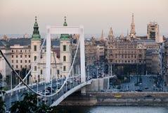 Взгляд моста Erzsébet в Будапеште Стоковая Фотография