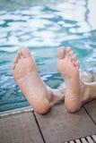 Взгляд мужских ног Стоковые Фото