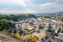 Взгляд над барочным старым городком, городок Зальцбурга старый, Австрия стоковое фото rf