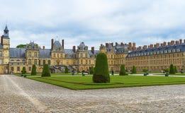 Взгляд на дворце Фонтенбло стоковые изображения