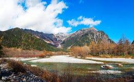 Взгляд на горах kamikochi стоковые фотографии rf