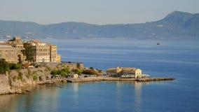 Взгляд на городе Корфу и старом порте, Греции стоковое фото rf