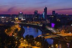 Взгляд на городе ночи Вильнюса Стоковое Изображение