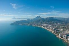 Взгляд над городком Calpe Calp, Испанией Снятый от Penon Ifach Стоковые Изображения