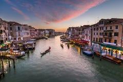 Взгляд на грандиозном канале от моста Rialto, Венеции Стоковые Изображения RF