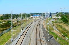 Взгляд на железнодорожных путях и мосте над рекой Nerl, Bogolubovo Стоковое Фото