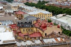 Взгляд на крышах зданий и домов Стоковые Фото