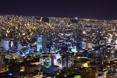 Взгляд над Ла Paz в Боливии на ноче Стоковое Изображение RF