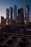 Взгляд на международном деловом центре города Москвы Стоковые Изображения RF