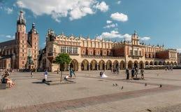 Взгляд над огромным европейским квадратом, Краковом, Польшей стоковые фотографии rf