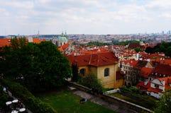 Взгляд над Прагой от дворца садовничает, чехия Стоковое фото RF