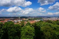 Взгляд над Прагой от наблюдательной вышки на Petrin, чехии Стоковая Фотография RF