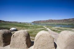 Взгляд на реке Ile и горах Tas Tamgaly, yurt от замка кино Казахстан - Centra Стоковые Фотографии RF