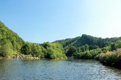Взгляд на реке Semois, бельгийце Арденн Стоковое Фото