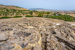 Взгляд на руинах от nuraghe Su Nuraxi около Barumini в Сардинии Стоковое Фото