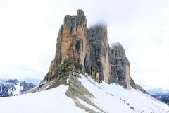 Взгляд на саммите горных вершин (доломиты) Стоковая Фотография