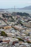 Взгляд над Сан-Франциско & мостом золотого строба от башни Coit Стоковые Фотографии RF
