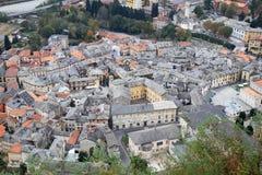 Взгляд на старом городке Varallo, Италии стоковое изображение rf