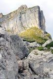 Взгляд на стороне горы в горных вершинах (rofan горы) Стоковые Изображения RF