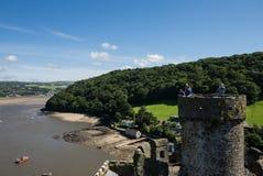 Взгляд на холмах и реке Conwy от средневекового замка Стоковое Изображение RF