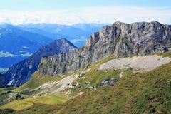 Взгляд на цепи горы в горных вершинах (Rofan) Стоковые Фотографии RF