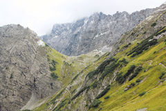 Взгляд на цепи горы горных вершин (karwendel) Стоковые Фотографии RF