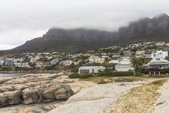 Взгляд на 12 apostels от пляжа в Кейптауне Стоковое Изображение